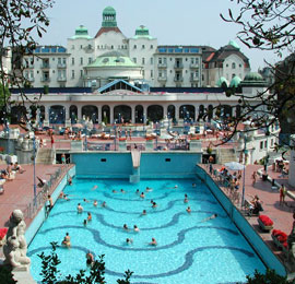 Boedapest_monumenten-badhuizen-Gellert-Hotel.jpg
