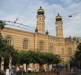 Boedapest_monumenten-dohany-utca-synagoge.jpg