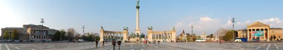 Boedapest_monumenten-helden-plein-g1.jpg