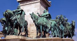 Boedapest_monumenten-helden-plein-k3.jpg
