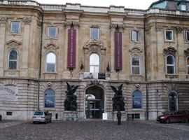 Boedapest_musea-budapest-torteneti-muzeum.jpg